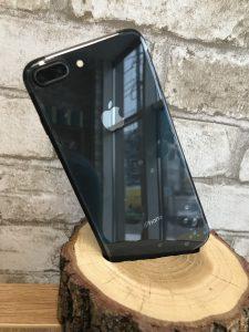 iPhone 8 Plus Space Grey  64 Gb 800$
